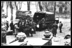 013-Place du Chatelet, Embarquement de civils
